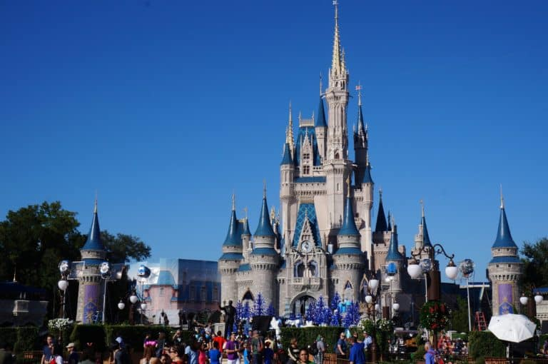 50+ Gifts for Someone going to Disney World
