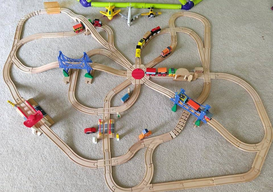25+ Best Toys & Gifts for Train Lovers