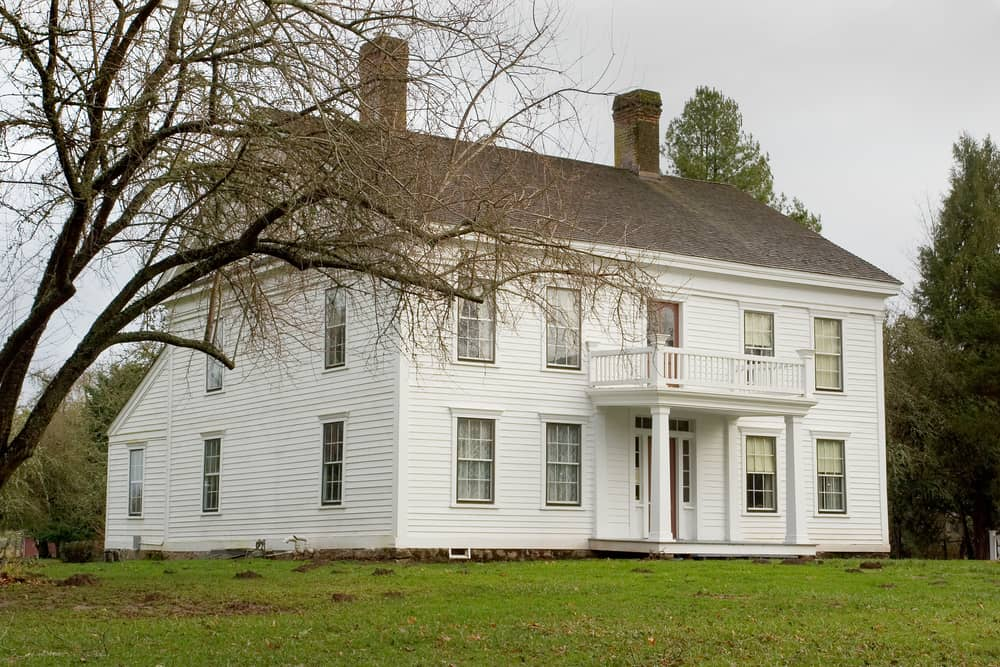Photo of the historic Bybee-Howell House on Suavie Island near Portland, Oregon