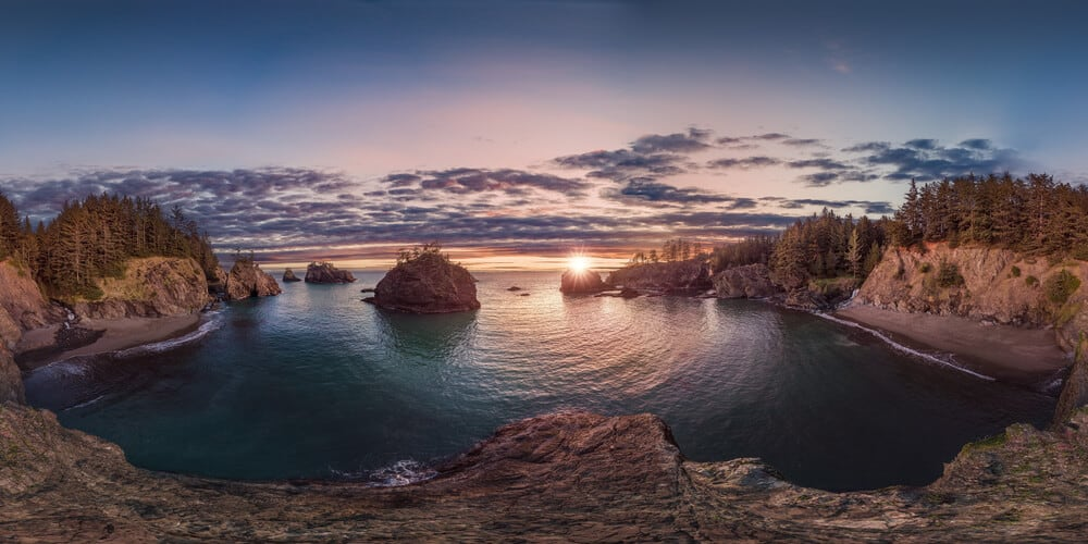 360 degree spherical view of the sunset on Oregon coast
